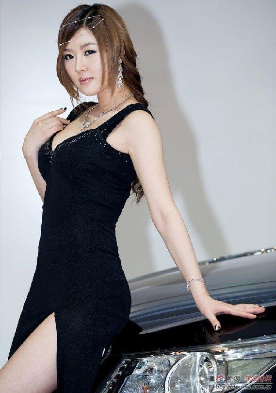 韩国车模黄美姬绝世优雅 时尚中国