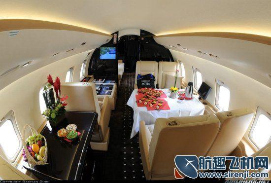 私人飞机太奢华 单次飞行成本逾五十万