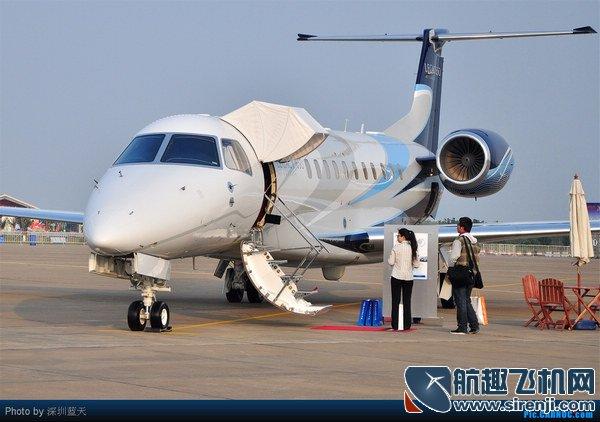 两会代表座驾大盘点 成龙私人飞机最霸气